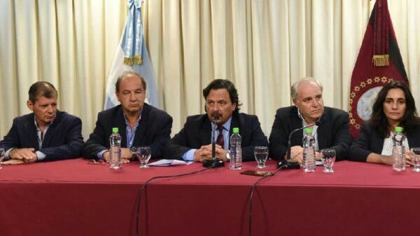 Conferencia de prensa de Gustavo Sáenz