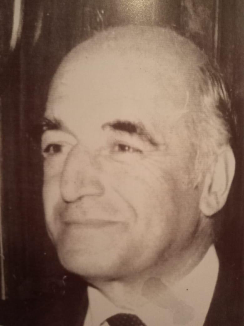 Dr. Vicente Solá