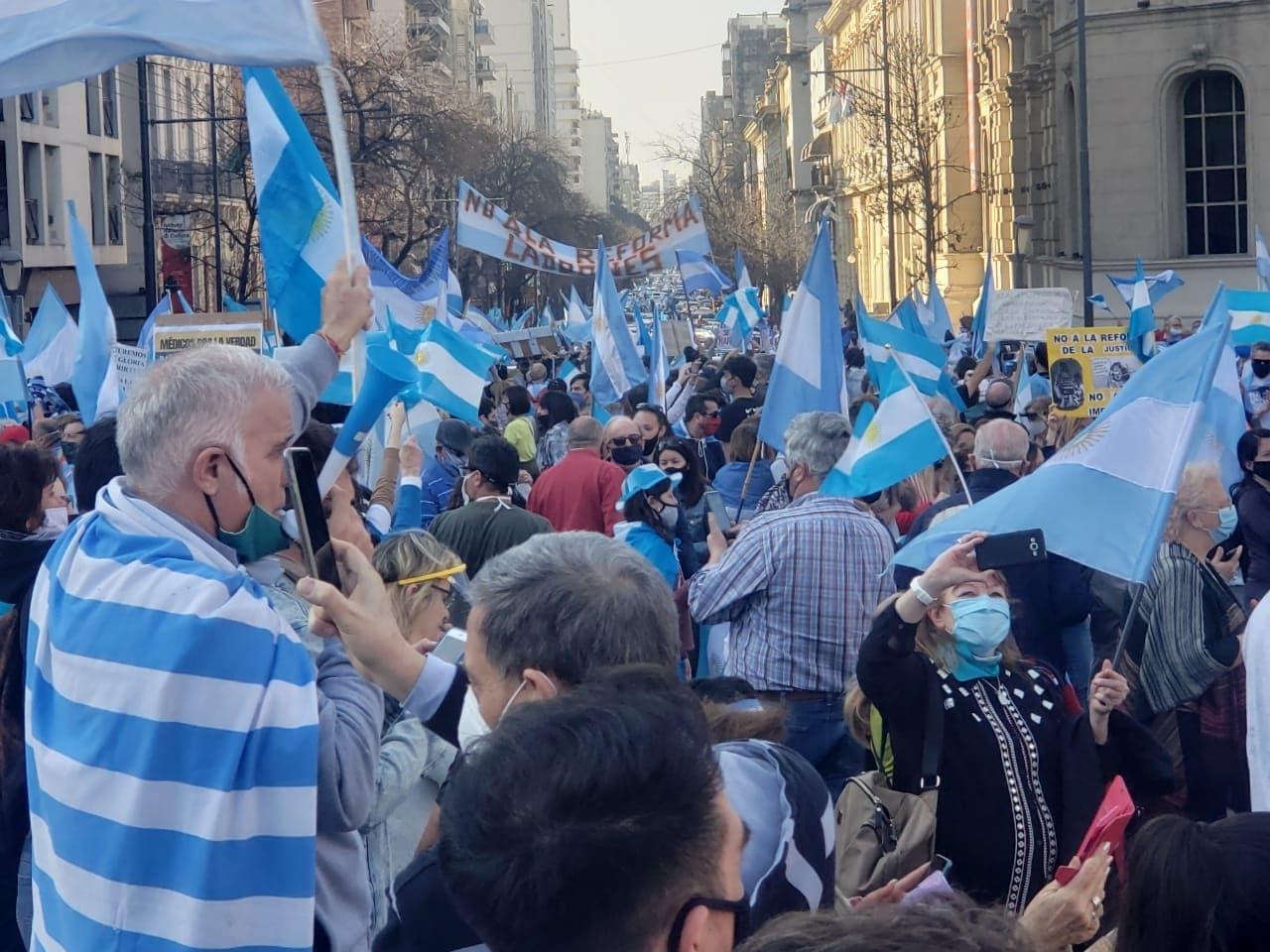 marcha anticuarentena