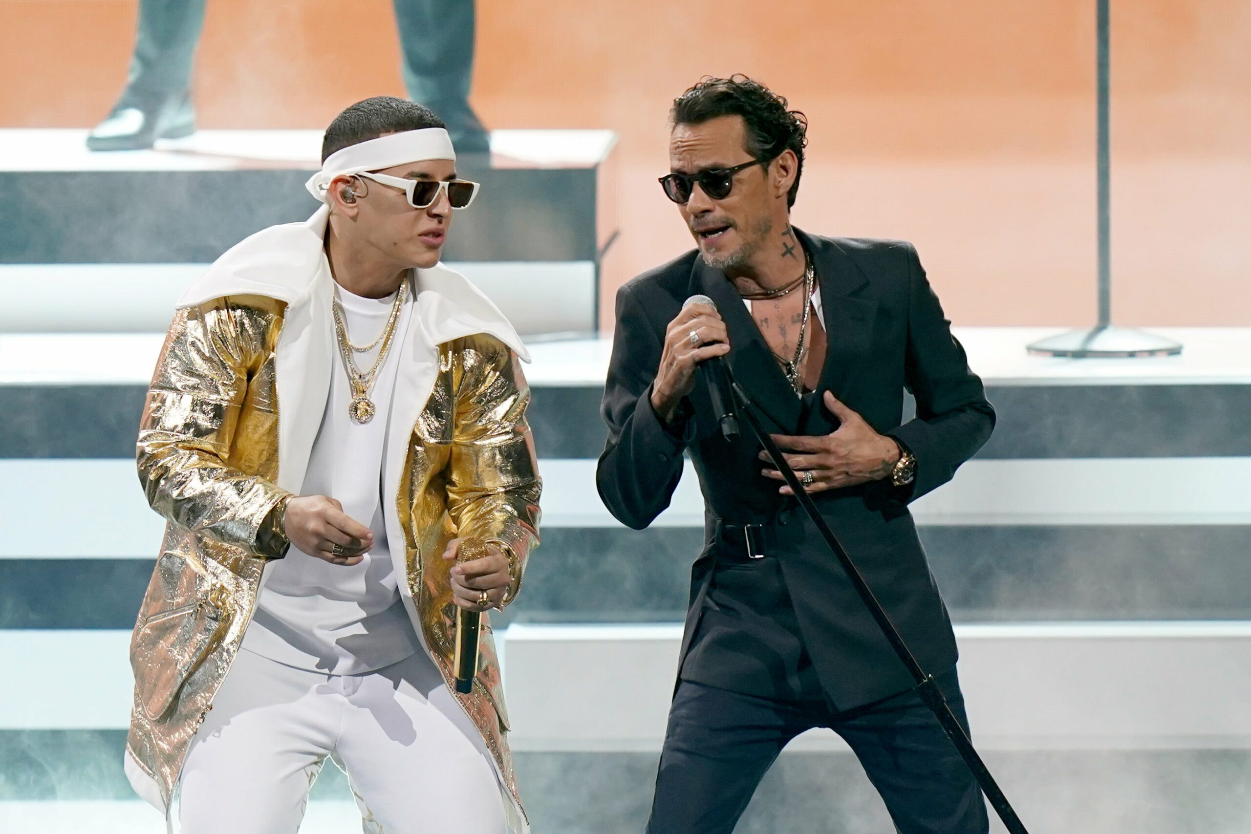 https://salta4400.com/celebrities/2020/11/22/como-marc-anthony-cautivo-en-los-premios-grammy-latino-2020/